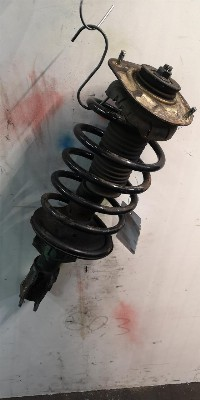 Volvo V70 (SW) 2.4 D5 20V (D5244T5) STRUT RIGHT FRONT 0