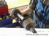 Alfa Romeo 156 (932) Sedan 2.0 Twin Spark 16V (AR32.310) DRIVE SHAFT RIGHT FRONT 2001